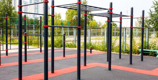 Спортивные площадки, гимнастические комплексы